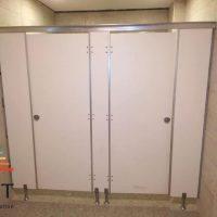 أعمال الكوريان وفواصل الحمامات الكومباكت HPL