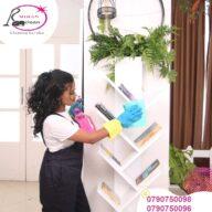 جميع عاملاتنا مدربين بإتقان وعناية لتقديم خدمة التنظيف